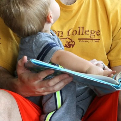 10 Ways to Find 10 Minutes to Read With Your Kids