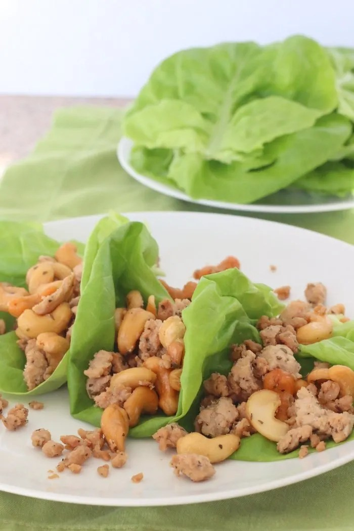 Want a quick and easy dinner for the family that's also nice and healthy? Check out these cashew chicken lettuce wraps!