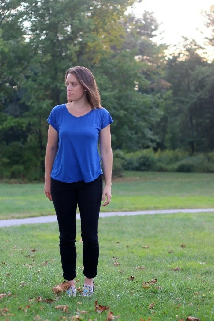 blue-shirt-and-black-jeans-with-bucketfeet-shoes-in-park