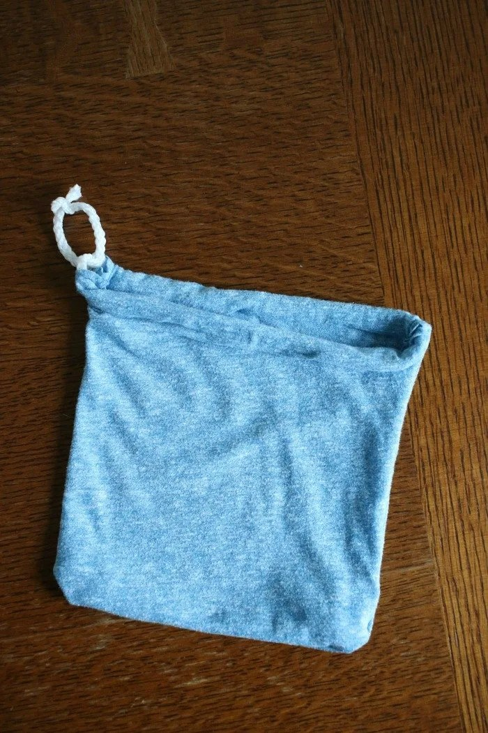 diy-drawstring-bag-with-single-thread-pull-through