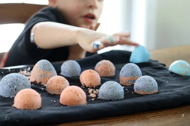 We Let The Bath Bombs Dry Overnight And Then The Boys Couldnu0027t Wait To Try  Them In Their Baths The Next Day. It Kept Them Entertained For A Quite A  While, ...