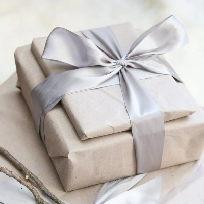 8 Ways To Reuse Shipping Material As Zero Waste Gift Wrap