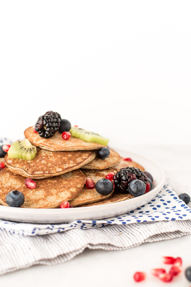 Hello, PANCAKES! These wholesome, grain-free, gluten-free, dairy-free, three-ingredient blender pancakes are so simple and irrefutably healthy, they may become your new weekday tradition. | via Honestly Nourished