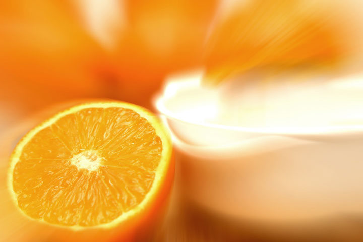 If you have a sensitive skin type (or even if you just want to treat your skin carefully) then you might have thought vitamin C skincare was not for you. Let's be honest, vitamin C skincare has a bad rep for being 'stingy', irritating and generally pretty 'Ouchy'... but there might just be a type of vitamin C that you can use that will get you all the collagen boosting, youth protecting powers of this skin vitamin http://wp.me/p6LuQS-QH