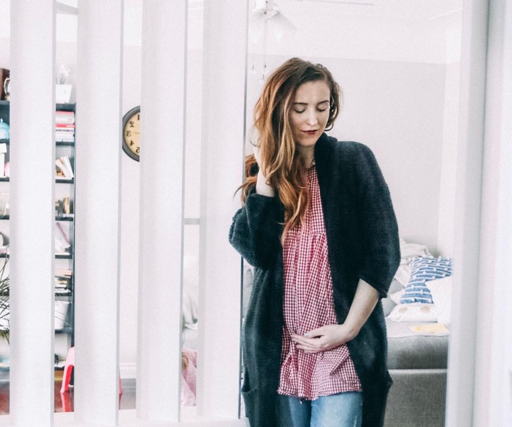16 Weeks Pregnant - What Do Baby Kicks Feel Like?Honey & Betts