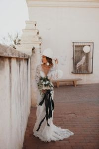 unique hat for wedding day