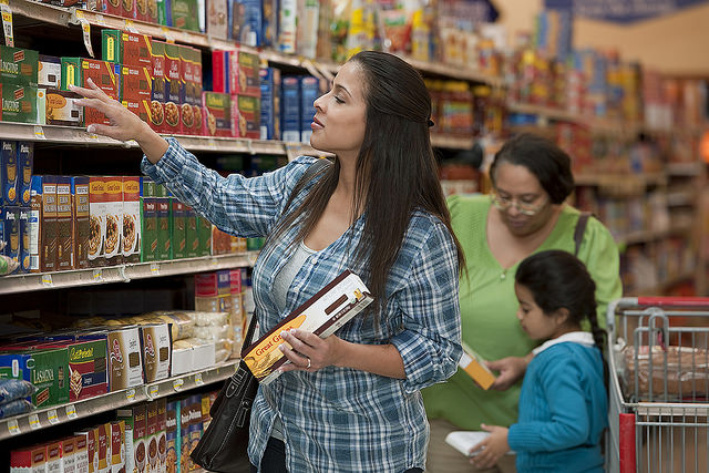 How I feed my family on a budget - grocery shopping for a family of 5 for $300 a month!