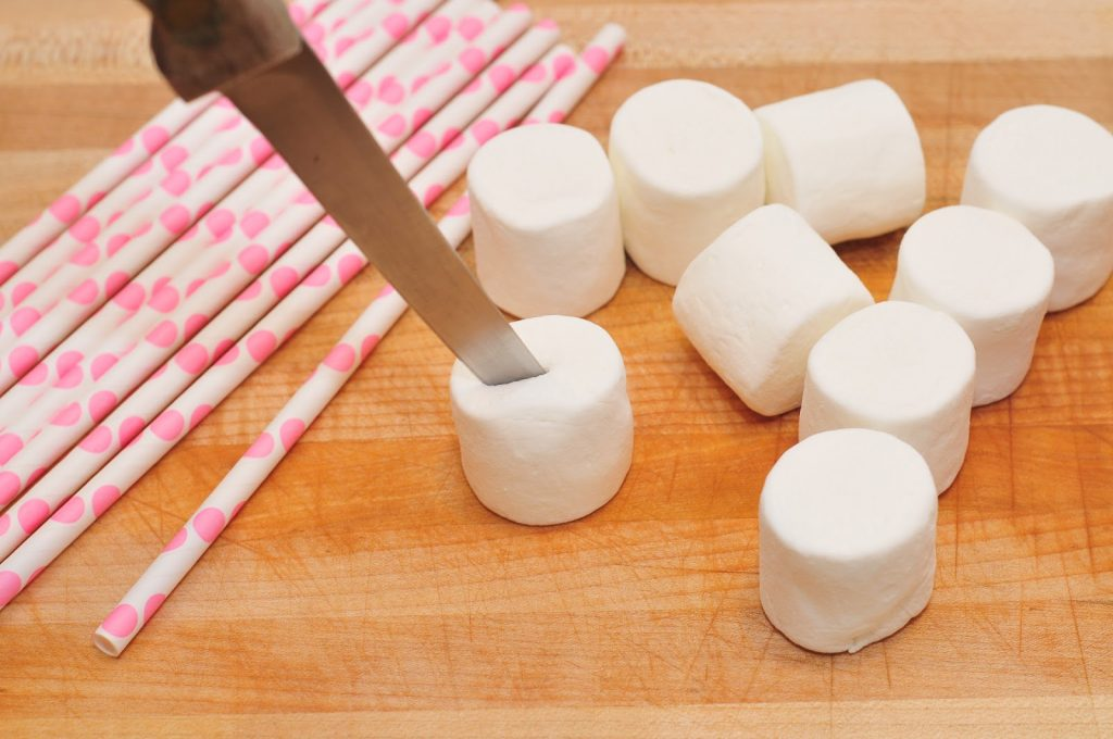 How To Make Valentines Day Marshmallow Pops These Are