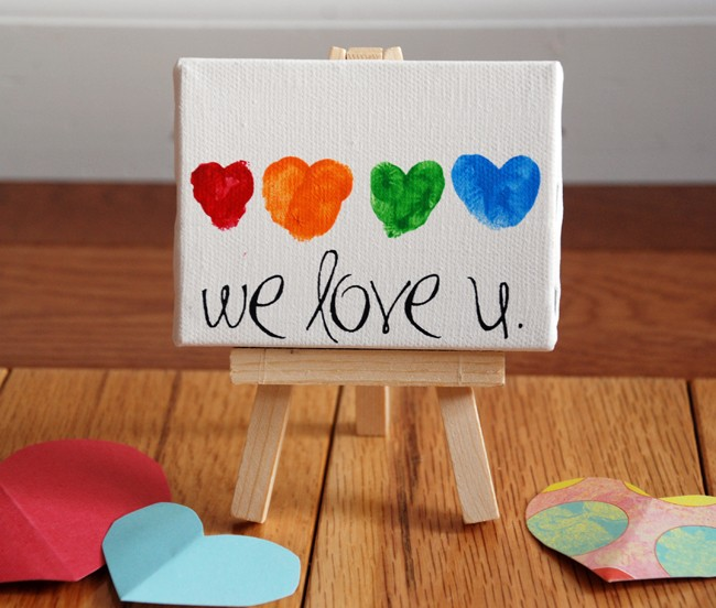 Cute Mothers day crafts for kids - heart finger print canvas