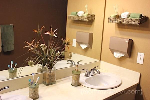 DIY hanging paper towel holder for the bathroom