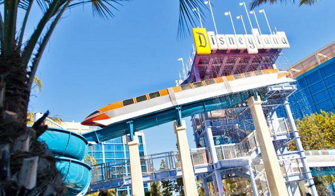 Disneyland Hotel Pool - Monorail waterslide