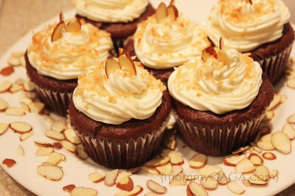 Almond Joy cupcakes recipe with coconut