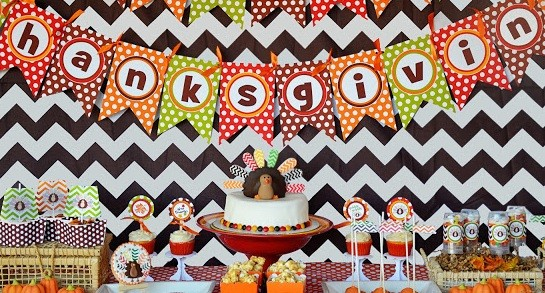 Thanksgiving printables for a party photo: Amanda Parker and Family