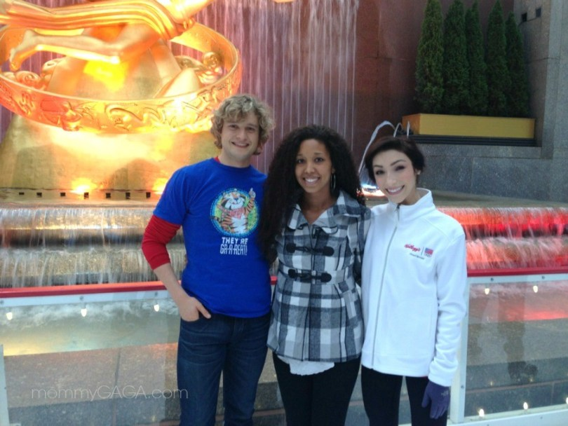 Deanna Underwood with Charlie White, Meryl Davis, Ice skating at Rockefeller Center