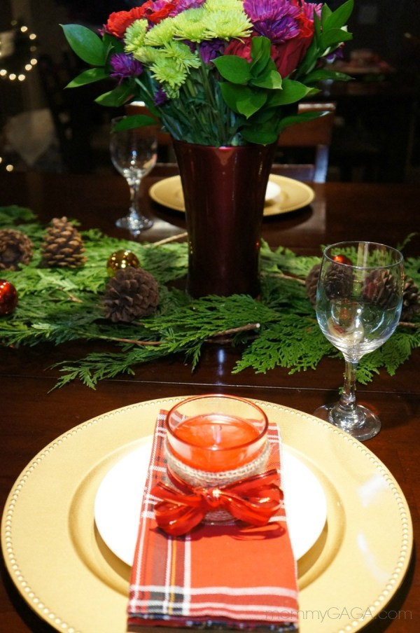 Place setting ideas for the Christmas dinner table