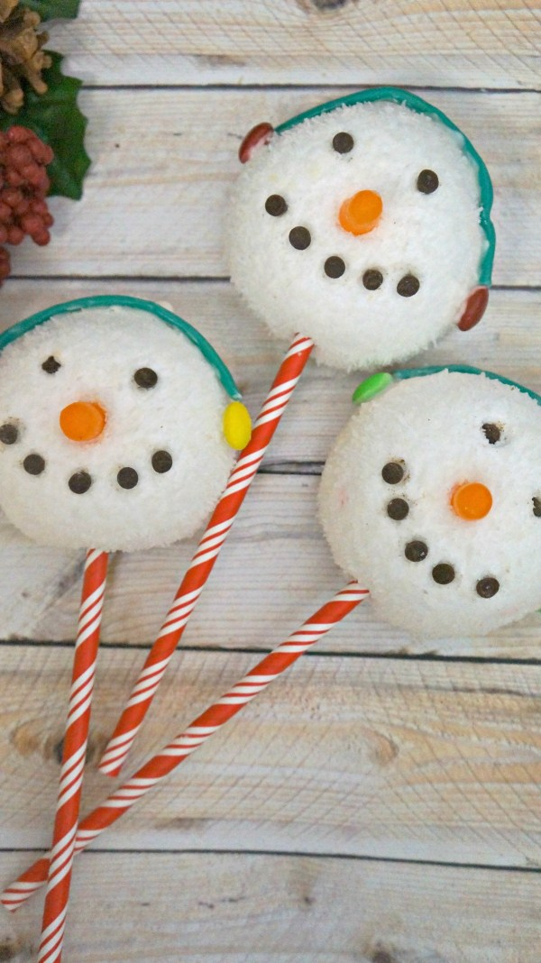 Edible Holiday treats, learn how to make cute snowman sno balls!