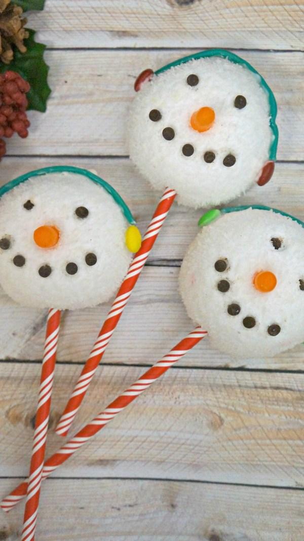 Edible Holiday treats, learn how to make cute snowman sno balls!