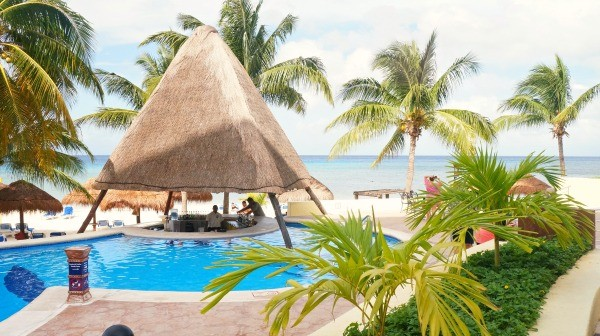 Adults pool with swim up bar at MELIA Vacation Club Cozumel All Inclusive Hotel