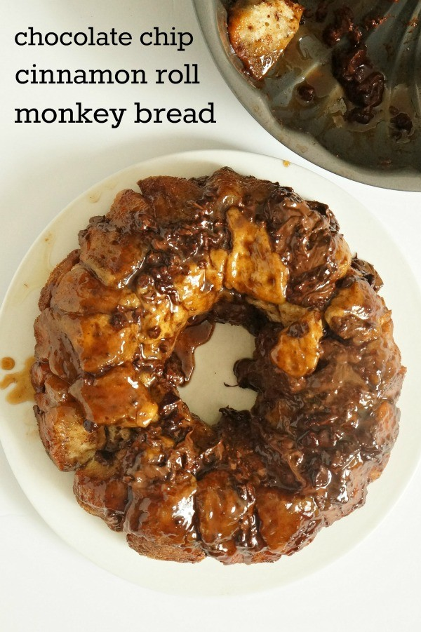 How to make chocolate chip cinnamon roll monkey bread