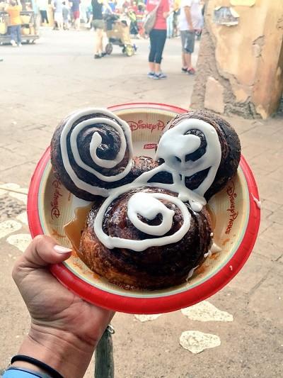 Disney's Animal Kingdom theme park, Mickey Mouse cinnamon roll