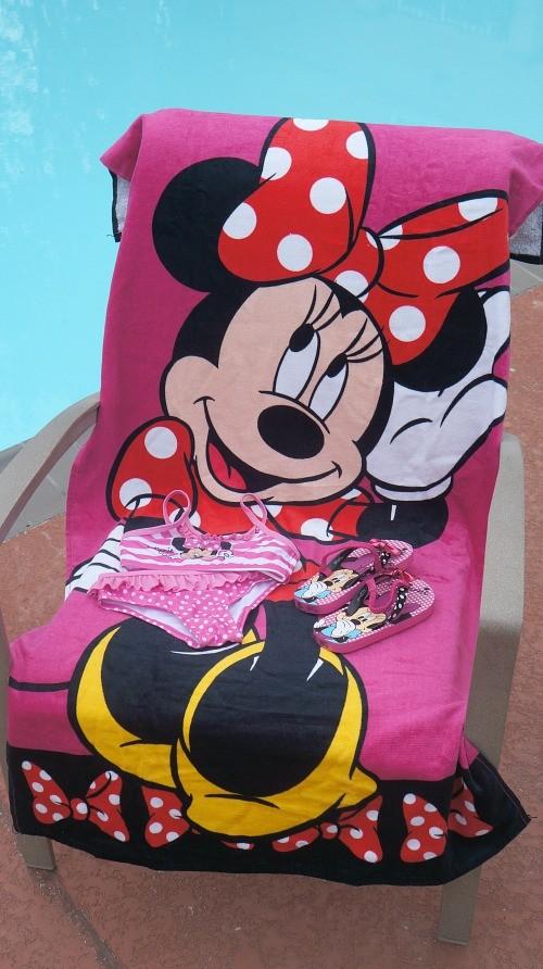 Minnie Mouse Beach Towel, innie Mouse bikini and sandals, Disney Junior at Walmart
