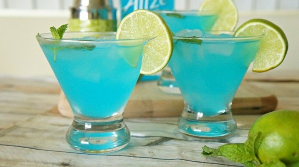 Blue passion mojito recipe, a summer cocktail using Alize Bleu Passion liqueur