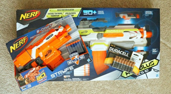 NERF N-Strike Modulus ECS-10 and NERF N-Strike Stryfe Elite Blasters, powerted by Duracell AA batteries and available at Toys-R-Us!