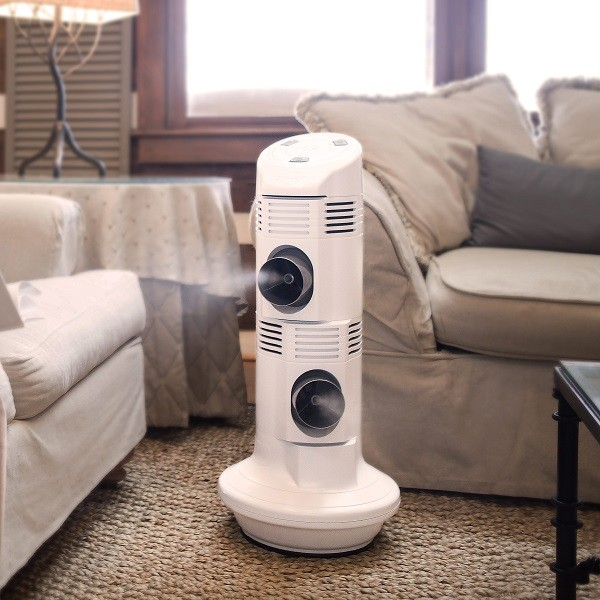 Staying cool in the heat - the CULER DUET portable evaporative fan helps keep you cool no mater where you may go, photo: CULER®