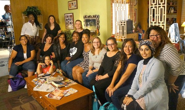 ABC's The Middle set visit, Disney bloggers in the living room on set