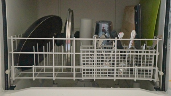 Dishes in the dishwasher with Cascade Platinum ActionPac