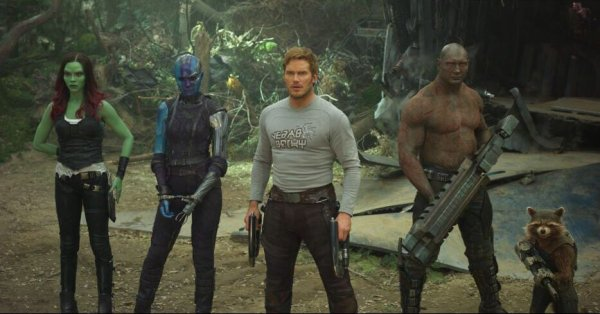 Guardians of the Galaxy Vol 2 photo, Gamora, Nebula, Star Lord, Drax, Rocket