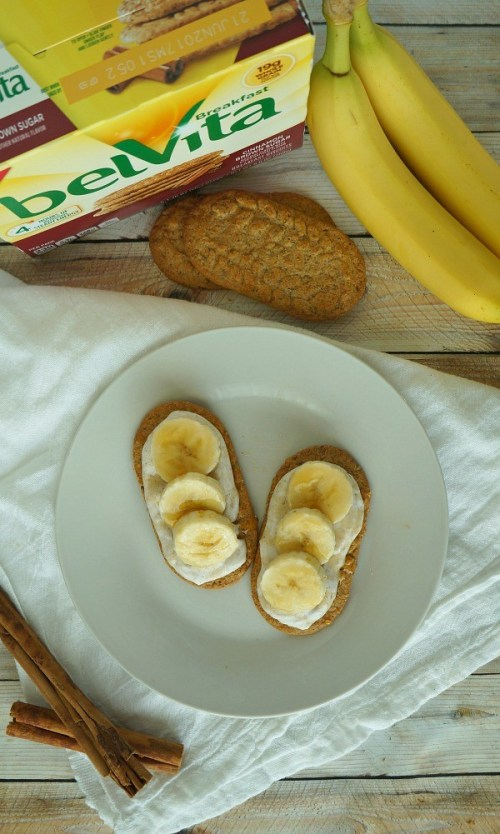 Easy and Healthy Banana Breakfast Bars with Cinnamon and Greek Yogurt