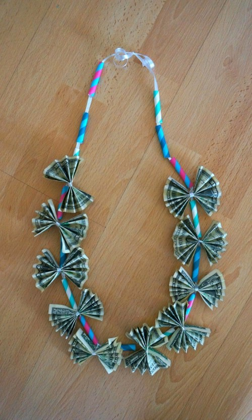 This diy money lei is such a cute graduation gift, a fun way to give money
