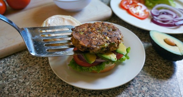 Chipotle avocado veggie burgers recipe