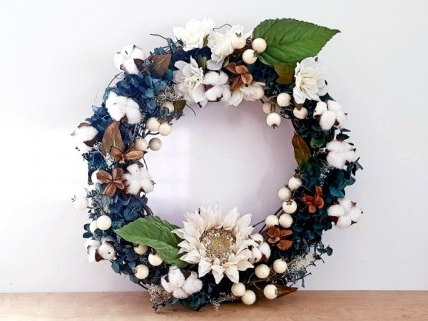 DIY Farmhouse wreath grapevine wreath DearCreatives.com