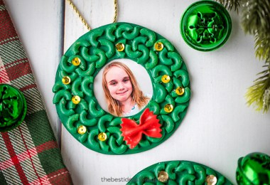 Homemade Christmas ornaments for kids - Pasta Macaroni Wreath Christmas ornaments - The Best Ideas for Kids