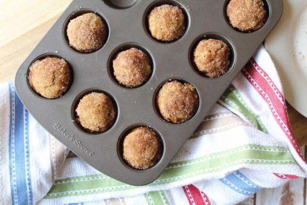 Banana cinnamon mini muffins