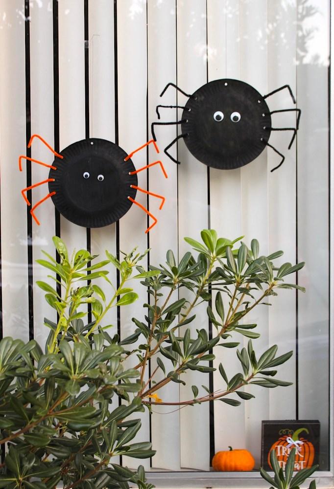 Cute spider Halloween craft homemade window decor