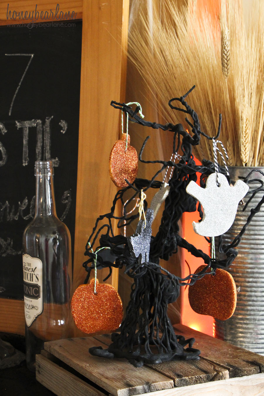 Spooky Halloween Mantel And Banner Honeybear Lane