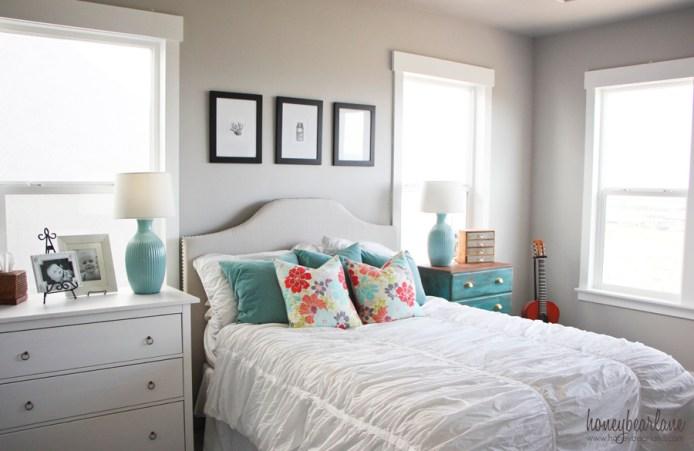 beachy bedroom