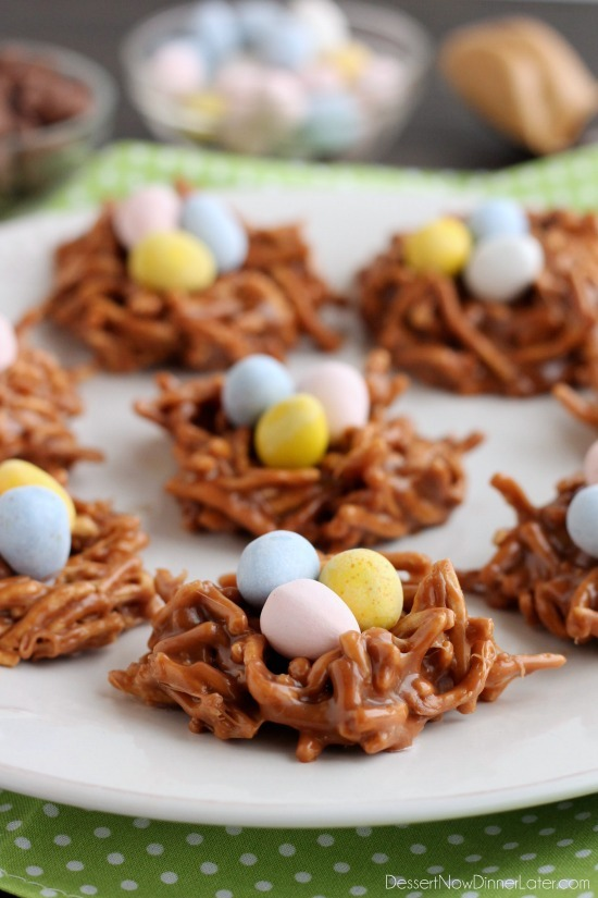 25 Satisfying Easter Menu Ideas - find everything from Easter brunch ideas to Easter dinner ideas with delicious side dish recipes and even some cute Easter snacks!