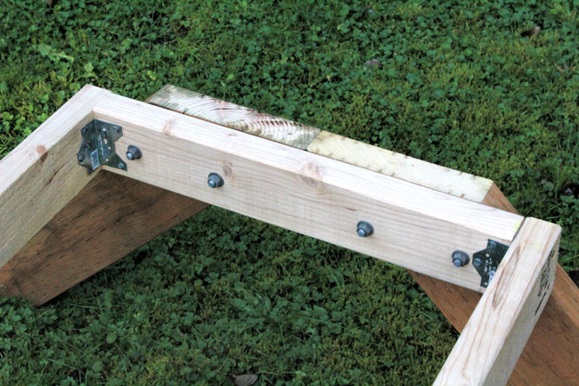 Double-hive-stand-2 showing hardware