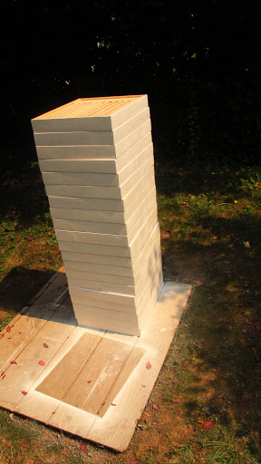 Workworking plans for beekeepers. The finished racks.