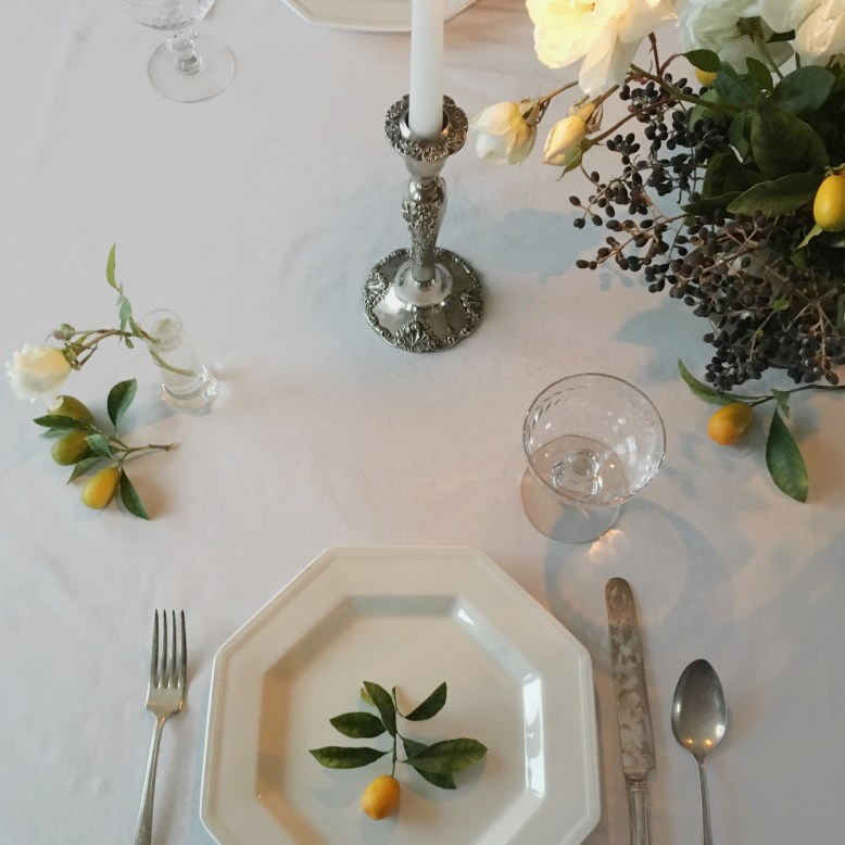 Winter-citrus-inspired-tablescape