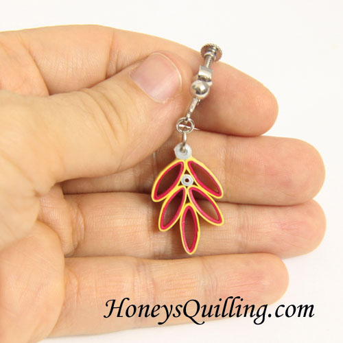 How to make paper quilled leaf earrings - a free pattern from Honey's Quilling
