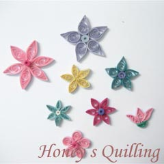 paper quilled small flowers