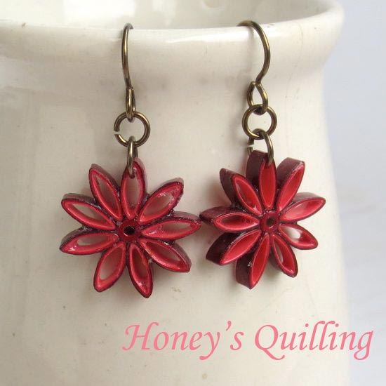 Red Ombre Nine Pointed Star Paper Quilled Earrings - Honey's Quilling