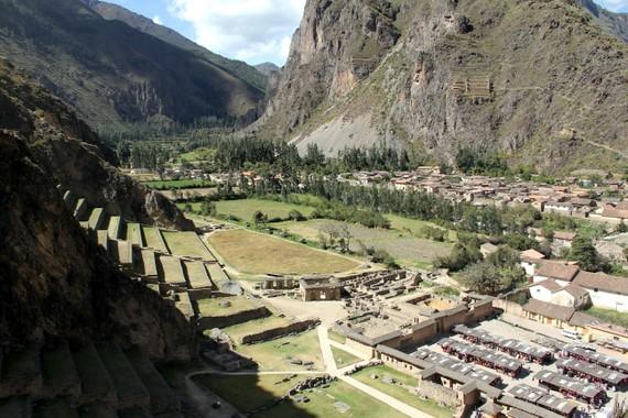 Ollantaytambo with Andean Treks