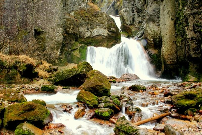 waterfall hike from sounkyo Japan
