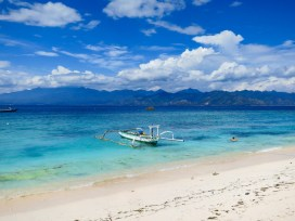 beaches of Gili T